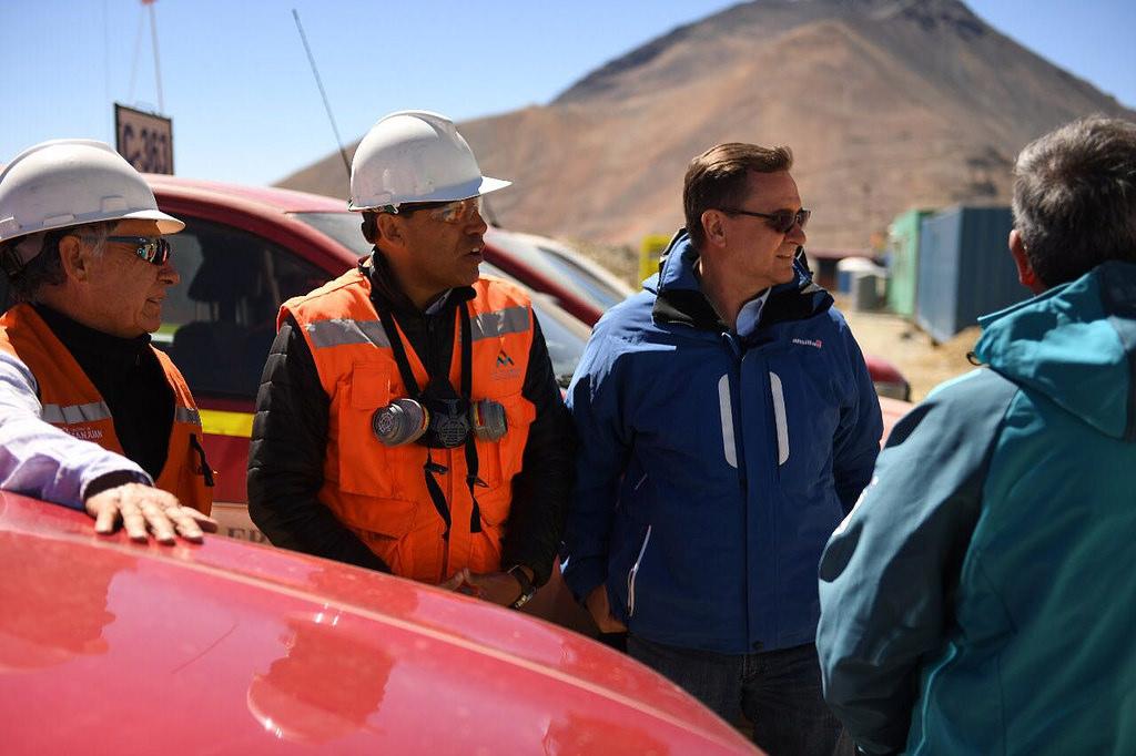 Ministro de Minería Alberto Hensel