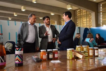 Ronda de compromiso social: emprendedores se vinculan con empresas locales
