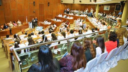 De Los Ríos participó en el cierre de la Legislatura en la Escuela