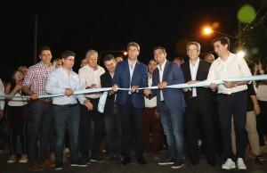 Inauguraron el asfalto de una calle vital para el tránsito en Santa Lucía