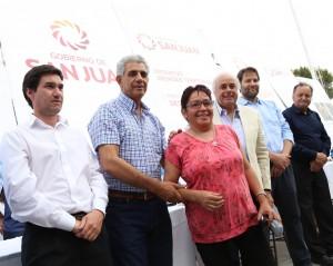 El Club Sportivo Desamparados fue sede de la entrega de anteojos y DNI