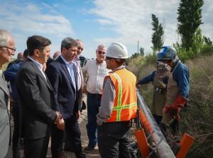 Sergio Uñac visitó San Martín: recorrió el avance de obra del gasoducto e inauguró pavimento