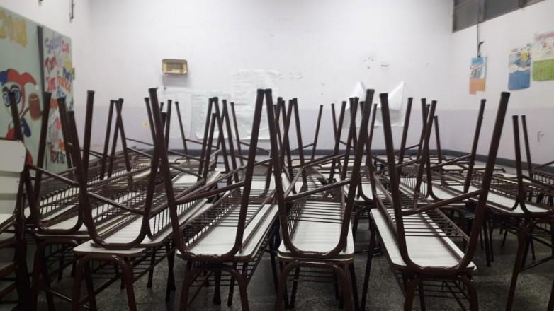 Ya se entregaron más de 3 mil unidades en equipamiento de mobiliario escolar