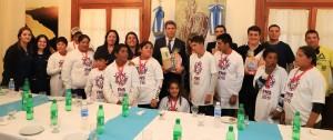 Alumnos de Bermejo visitaron Casa de Gobierno y almorzaron con Uñac