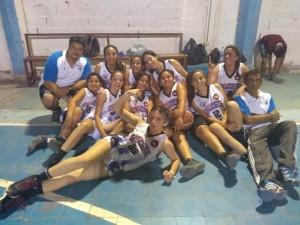 La escuelita de básquet que participa de un torneo en Lanteri