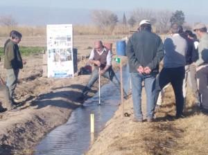 Capacitarán al sector productivo en técnicas de riego superficial