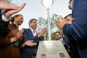 Inauguraron plaza en Villa Observatorio y entregaron maquinaria a nueve cooperativas