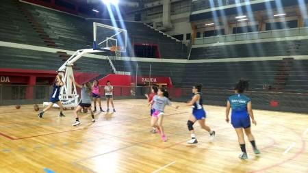 El básquet femenino quiere crecer en los Juegos Binacionales