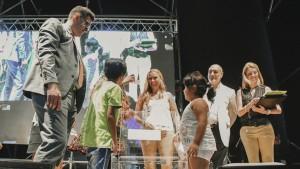 La FNS 2019 tiene a la primera ganadora de una vivienda del IPV
