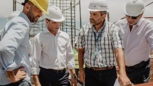 Sergio Uñac y el ministro Guillermo Dietrich recorrieron las obras del aeropuerto