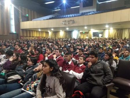 Más de 600 alumnos secundarios asistieron a la conferencia sobre la vida de Sarmiento