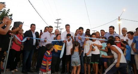 Inauguraron pavimento de calles del barrio 2 de Abril en Chimbas