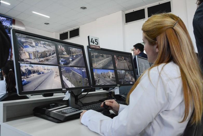 Recursos humanos capacitados y tecnología, claves contra el delito