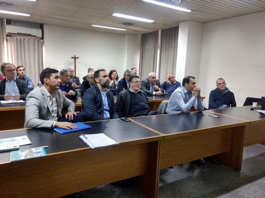 Las máximas autoridades de la ciencia se reunieron en la Facultad de Ingeniería