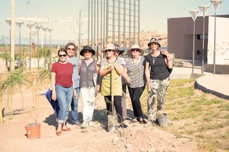 Mujeres del Garden Club Las Glicinas plantaron árboles en Anchipurac