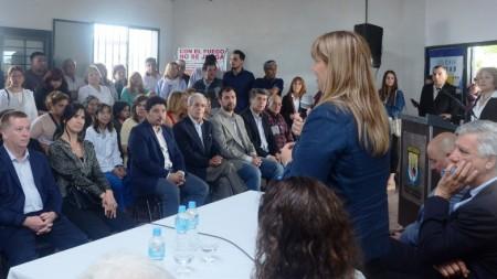 Los vecinos participaron masivamente de la inauguración del SUM del CAPS de Colonia Rodas. Fotos: Facundo Quiroga