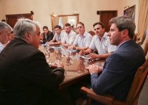 Presentaron al gobernador una cooperativa que producirá alfalfa destinada a la ganadería