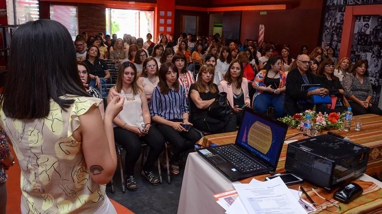 Salón completo para la 5º Jornada Provincial de Trabajo Social en Salud. Fotos: Facundo Quiroga