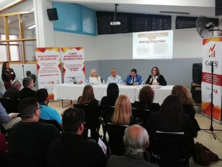 El ministro de Educación participó del III Foro Ciudadano del Plan Estratégico de 25 de Mayo