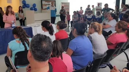 Pacientes, médicos y enfermeros que participaron del Día Mundial de la Diabetes en Albardón