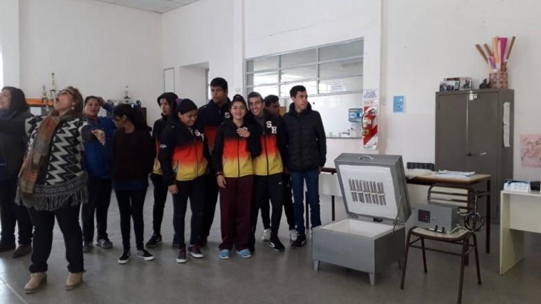 La Escuela Obispo Zapata recibió equipamiento para la formación profesional