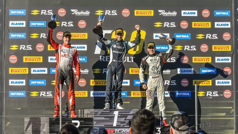 Tobías Martínez, a un paso del récord en la Fórmula Renault 2.0