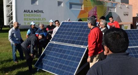 Educadores técnicos se capacitan en energía fotovoltaica y solar térmica