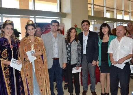 Turismo y Gobierno inauguraron la muestra de Colectividades