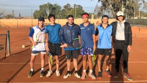El tenis masculino entrena para estar entre los mejores en los Binacionales