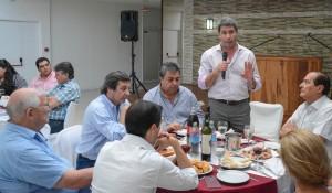 El gobernador Uñac brindó con dirigentes de la CGT