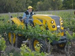 Con una muestra dinámica presentaron una línea de tractores viñateros