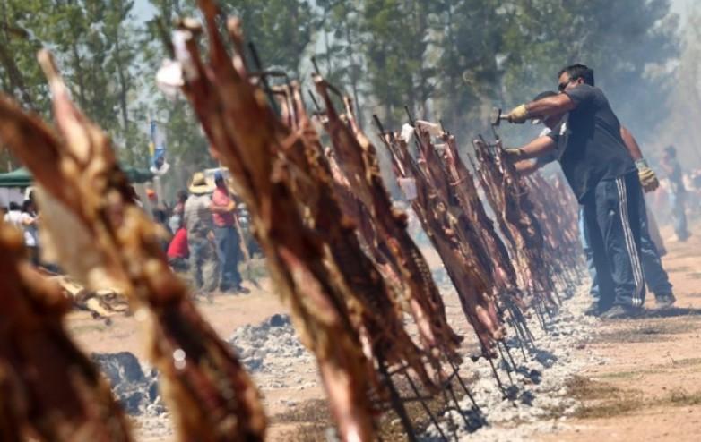 Valle Fértil celebra la Fiesta del Chivo con música, artesanías y gastronomía regional