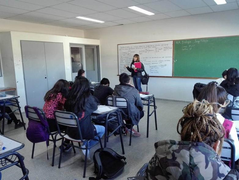 Refuerzo escolar gratuito: más de mil alumnos aprobaron materias pendientes