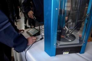 Educación entregó impresoras 3D a 25 establecimientos escolares