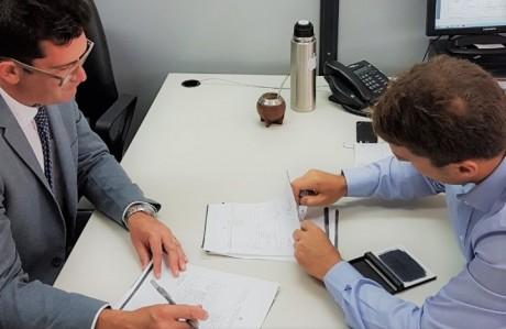 IPV firmó con Nación el primer convenio de regularización dominial