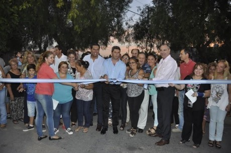 Uñac inauguró obras viales y de iluminación en Pocito