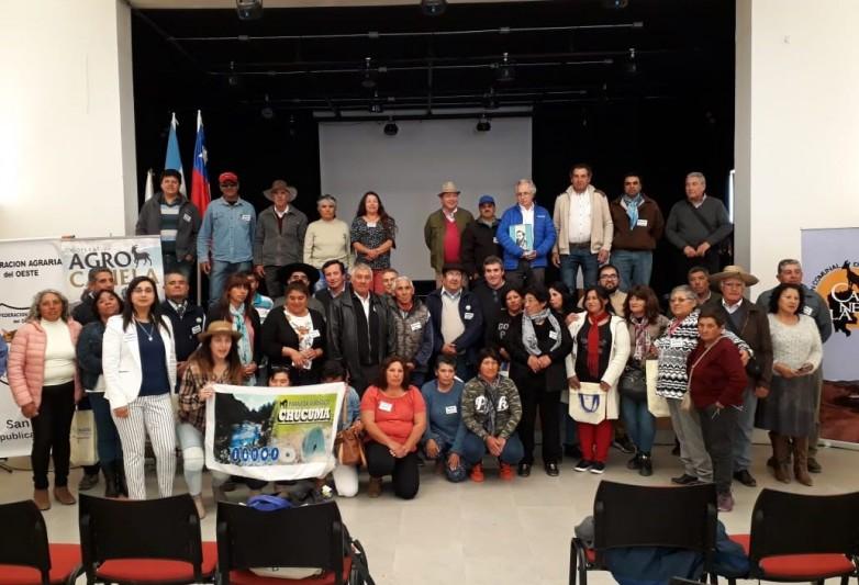 Productores caprinos están de visita técnica en Chile