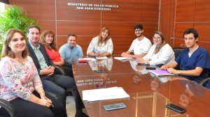 La ministra de Salud Pública recibió a los residentes para entablar el diálogo. Fotos: Facundo Quiroga