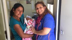 Una aeroevacuación oportuna le salvó la vida a una embarazada y su bebé