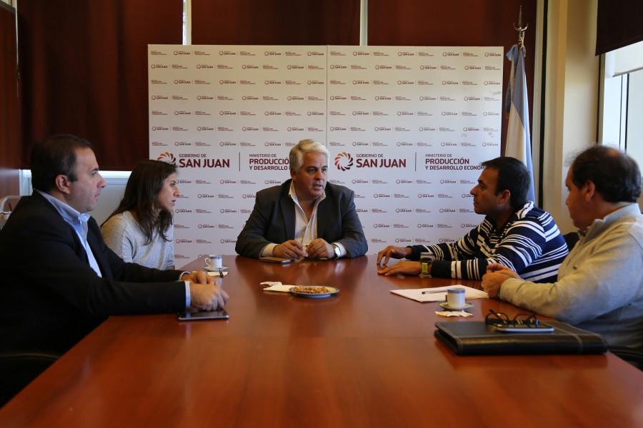 Díaz Cano y Grynzspan se reunieron con miembros de la Cámara Hotelera Gastronómica
