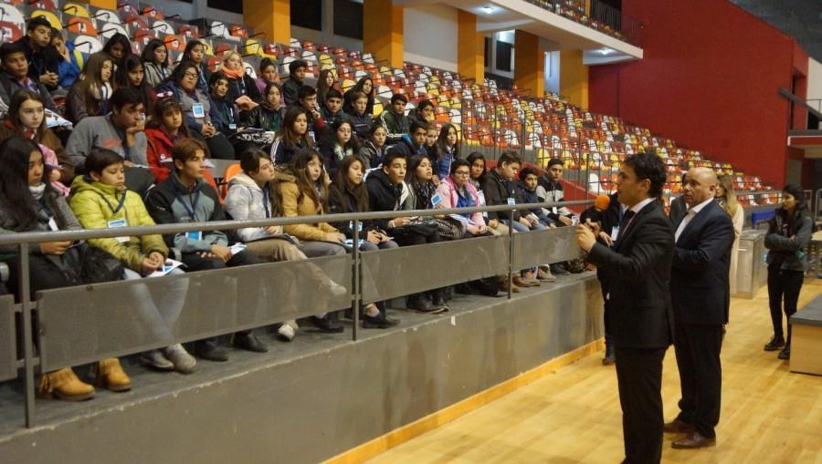 """Visita de """"Jóvenes construyendo democracia"""" a la Secretaría de Deportes"""