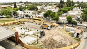 Infraestructura construye una pista para emergencias en el Hospital Rawson