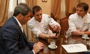 Sergio Uñac recibió a los empresarios de la firma sanjuanina Portho Gelatto