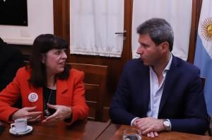 Uñac recibió a la presidenta de la Confederación Farmacéutica Argentina