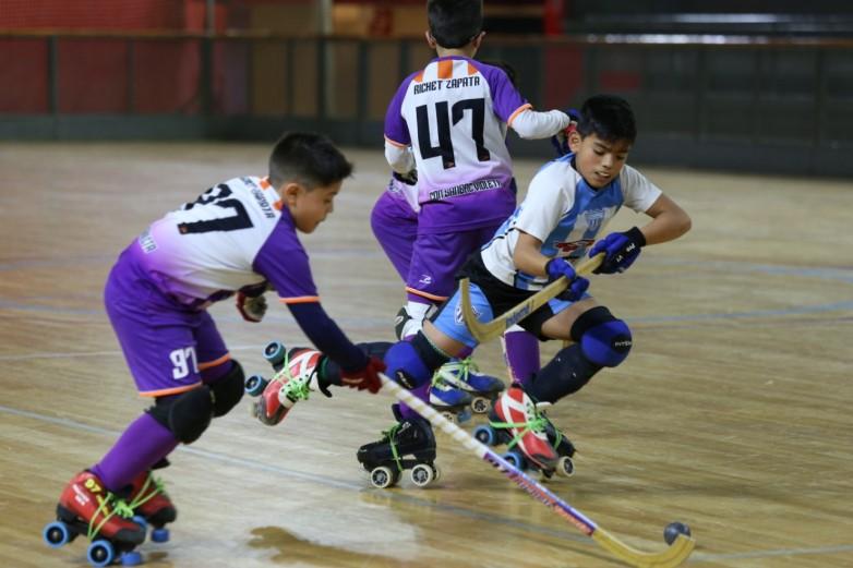 Torneo Premini de Lomas: hoy se juegan los partidos de las zonas Consuelo y Campeonato