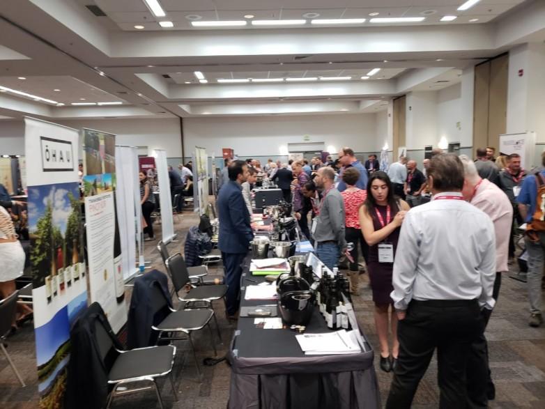 San Juan atrae compradores en la Feria de Vino a Granel en California