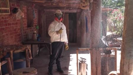Durante el fin de semana largo continua la desinsectación de vinchucas en las Trancas, Bermejo y Tupelí