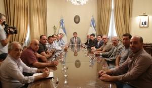 Sergio Uñac recibió a representantes de cámaras de productores