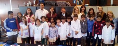 El ministro De Los Ríos recibió a alumnos de Iglesia