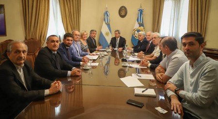 Gattoni recibió a empresarios españoles interesados en destilería de alcohol vínico en San Juan